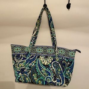 Large Vera Bradley Zippered Tote
